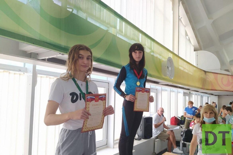 Пловцы из ДНР взяли золото на соревнованиях в России