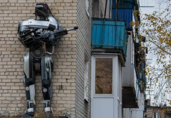 Гигантские автоботы массово захватывают города ДНР