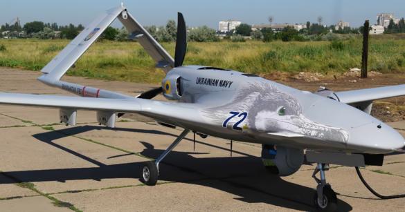 В небе над Донбассом замечен турецкий ударный беспилотник Bayraktar TB2